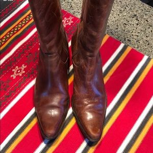 Distressed brown Matisse boots made in Brazil